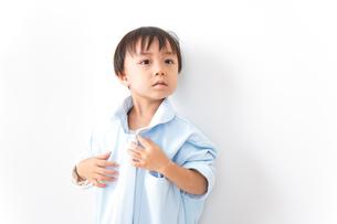 やんちゃな男の子の写真素材 [FYI04711051]