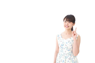Young woman pointingの写真素材 [FYI04711255]