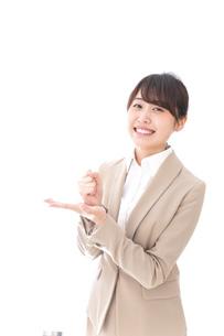 ひらめくビジネスマン・ビジネスアイデアの写真素材 [FYI04711468]