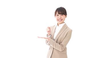 ひらめくビジネスマン・ビジネスアイデアの写真素材 [FYI04711478]