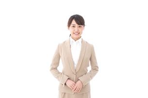 笑顔のビジネスウーマン・おもてなしの写真素材 [FYI04711583]