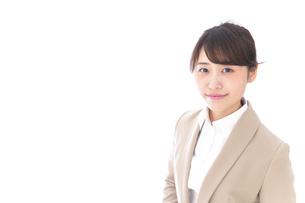 笑顔のビジネスウーマン・おもてなしの写真素材 [FYI04711592]