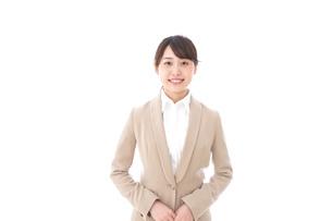 笑顔の若いビジネスウーマンの写真素材 [FYI04711760]