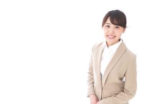 笑顔の若いビジネスウーマンの写真素材 [FYI04711764]