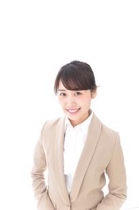 笑顔の若いビジネスウーマンの写真素材 [FYI04711770]