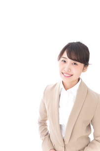 笑顔の若いビジネスウーマンの写真素材 [FYI04711771]
