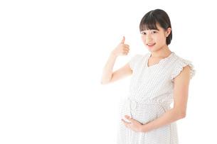 妊娠した若い女性の写真素材 [FYI04711924]