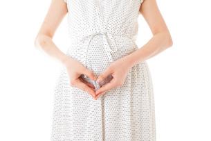 妊娠した若い女性の写真素材 [FYI04711925]