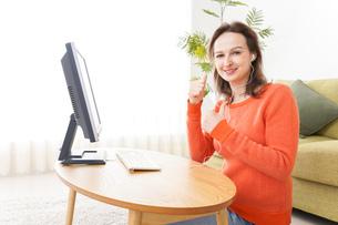 オンライン英会話・インターネット授業・ネイティブ英会話イメージの写真素材 [FYI04712282]