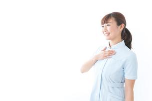 信頼できる若い看護師の写真素材 [FYI04713129]