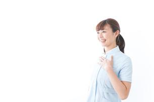 信頼できる若い看護師の写真素材 [FYI04713138]
