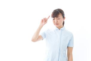 NOを示す若い看護師の写真素材 [FYI04713177]