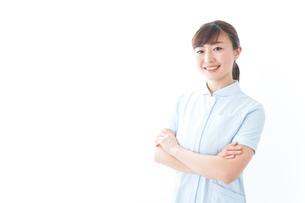 自信がある若い看護師の写真素材 [FYI04713185]