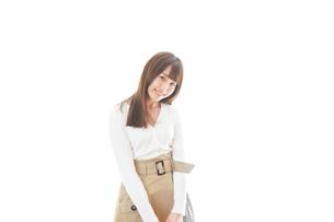 笑顔の若い女性ポートレートの写真素材 [FYI04714394]