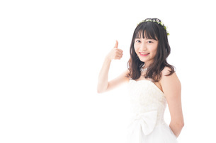 OKサインをするドレス姿の花嫁の写真素材 [FYI04714726]