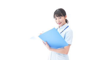 笑顔の若い看護師の写真素材 [FYI04714869]