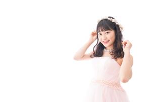 ドレスを着た若い花嫁の写真素材 [FYI04714953]