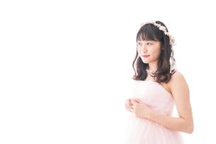 ドレスを着た若い花嫁の写真素材 [FYI04714957]