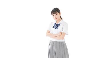 制服姿の女子学生ポートレートの写真素材 [FYI04715259]