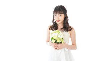 ブーケを持つ花嫁の写真素材 [FYI04716240]