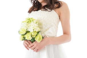 ブーケを持つ花嫁の写真素材 [FYI04716258]