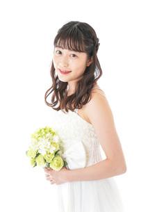ブーケを持つ花嫁の写真素材 [FYI04716263]