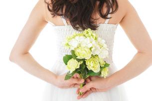 ブーケを持つ花嫁の写真素材 [FYI04716347]