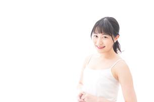 若い女性のポートレートの写真素材 [FYI04717522]