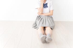 悩み事・いじめ・学生イメージの写真素材 [FYI04717863]