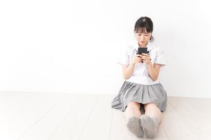 悩み事・いじめ・学生イメージの写真素材 [FYI04717870]