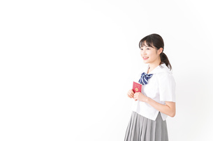 海外留学・修学旅行をする若い女子高校生の写真素材 [FYI04717927]