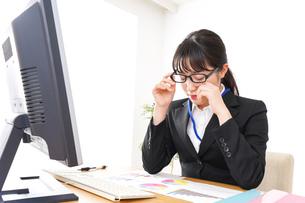 残業・過労・働き方改革イメージの写真素材 [FYI04717972]