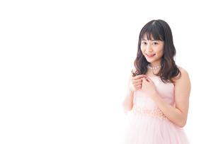 ピンクのドレスを着た花嫁の写真素材 [FYI04718291]