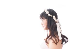 ピンクのドレスを着た花嫁の写真素材 [FYI04718315]