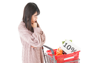 消費税増税・ショッピングイメージの写真素材 [FYI04718546]