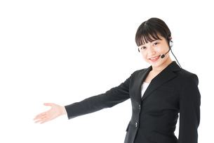 若い女性オペレーター・同時通訳イメージの写真素材 [FYI04718569]