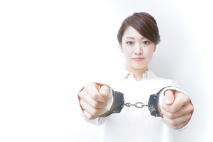 逮捕された女性の写真素材 [FYI04721276]