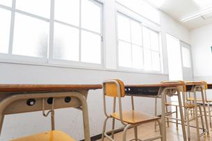 誰もいない学校の教室の写真素材 [FYI04721293]