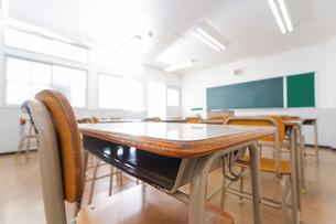 誰もいない学校の教室の写真素材 [FYI04721297]