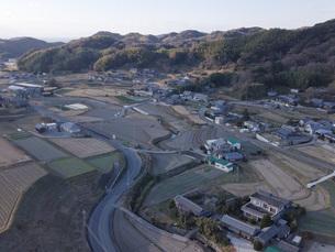 日本の田園風景ドローン撮影・淡路島の写真素材 [FYI04721693]