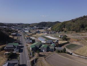 日本の田園風景ドローン撮影・淡路島の写真素材 [FYI04721694]