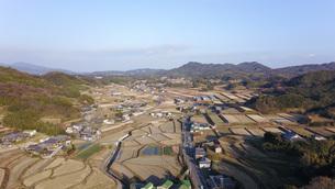 日本の田園風景ドローン撮影・淡路島の写真素材 [FYI04721697]