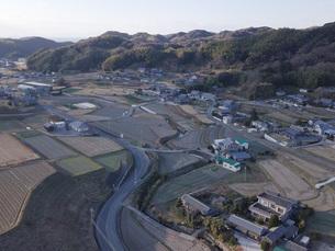 日本の田園風景ドローン撮影・淡路島の写真素材 [FYI04721699]