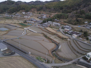 日本の田園風景ドローン撮影・淡路島の写真素材 [FYI04721815]