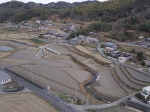 日本の田園風景ドローン撮影・淡路島の写真素材 [FYI04721816]