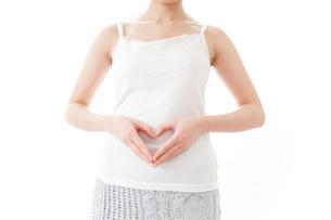 妊娠した女性の写真素材 [FYI04721919]