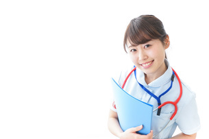 笑顔の若い看護師の写真素材 [FYI04722309]