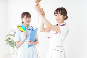 若手の看護師の写真素材 [FYI04722527]