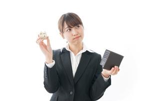 不動産と財布の写真素材 [FYI04723208]