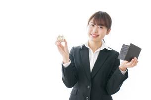 不動産と財布の写真素材 [FYI04723211]